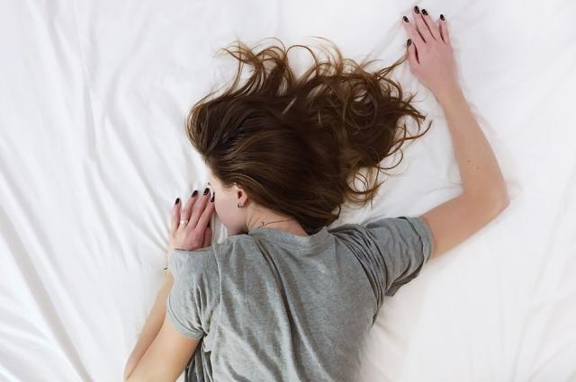 По статистике, на животе спят всего 7% людей в мире.