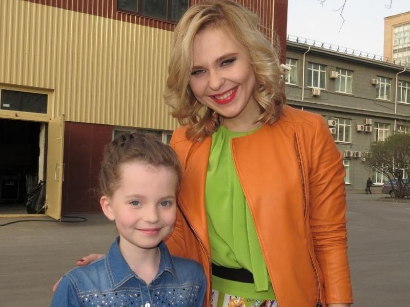 Алиса подружилась с членами жюри