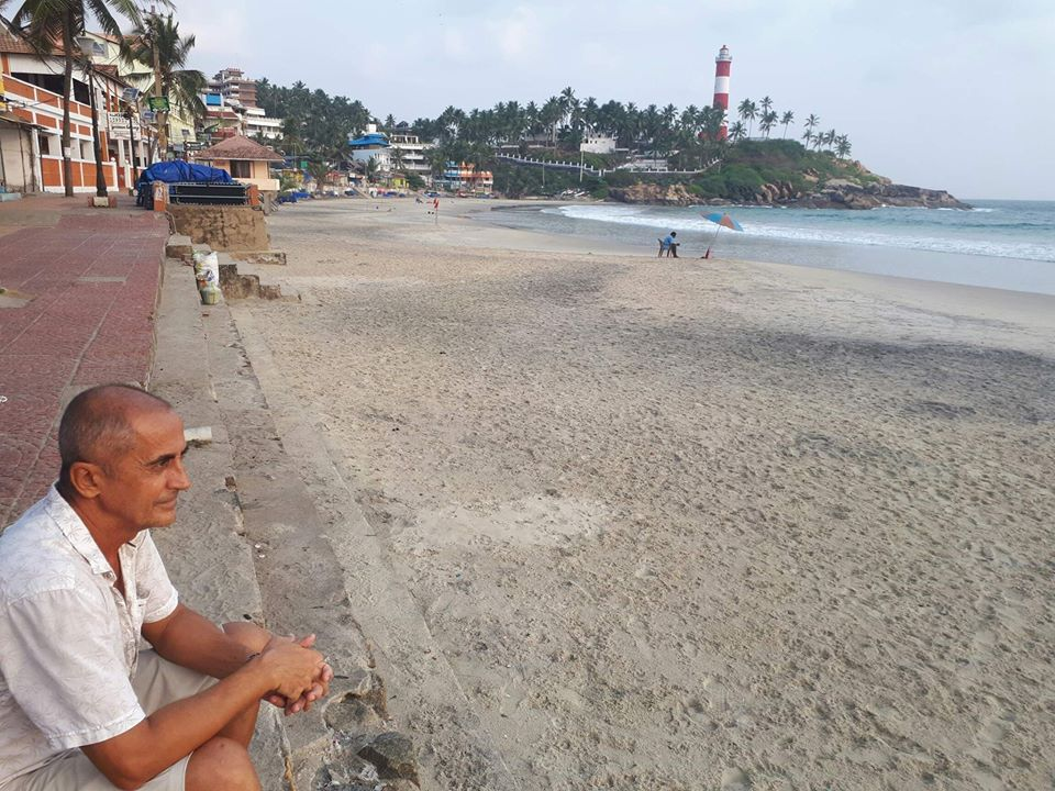 Пляжи Индии опустели.