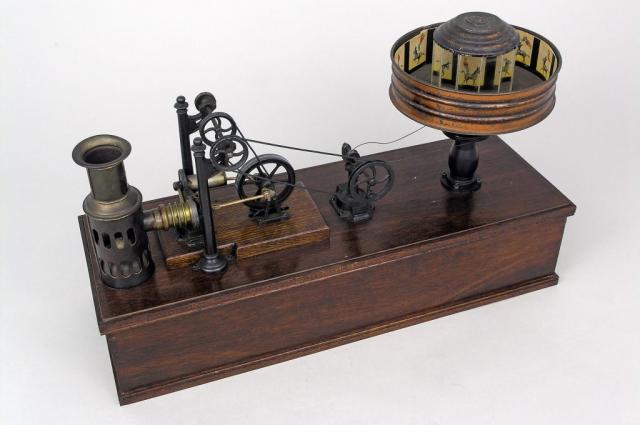 Так выглядел праксиноскоп Эмиля Рейно.