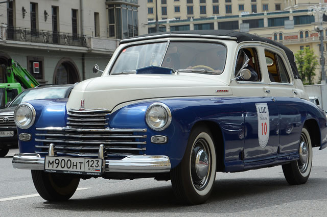 Автомобиль ГАЗ-М-20 «Победа».