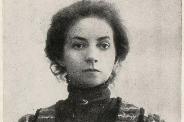 С Евтихеем Карповым, несмотря на разные взгляды на искусство, у нее сложились близкие романтические отношения.