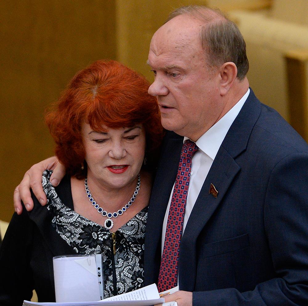 Тамара Плетнева и лидер КПРФ Геннадий Зюганов.