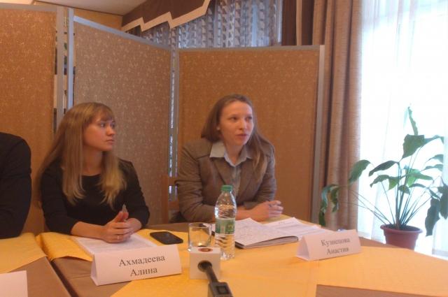 Анастасия Кузнецова (справа): «В реестре вкладчиков доверительного управления «ТФБ-Финанс» - 1800 человек».