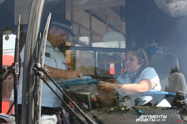 Теперь водителей автобусов ждут не только проверки на дорогах, но и внутри салонов.