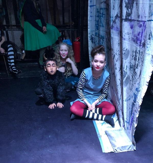 Театральная деятельность Тимура началась в четыре года.