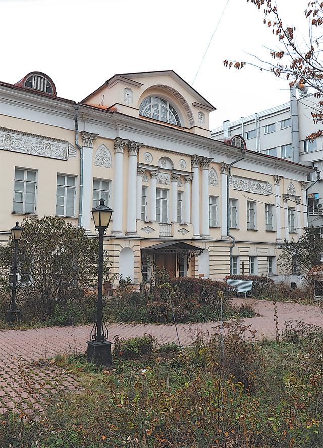 Дом № 6 в Петровском переулке