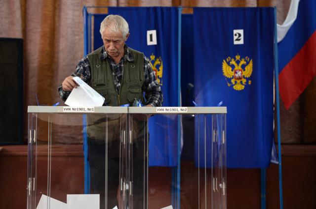 Житель Новосибирска участвует в выборах губернатора Новосибирской области в единый день голосования