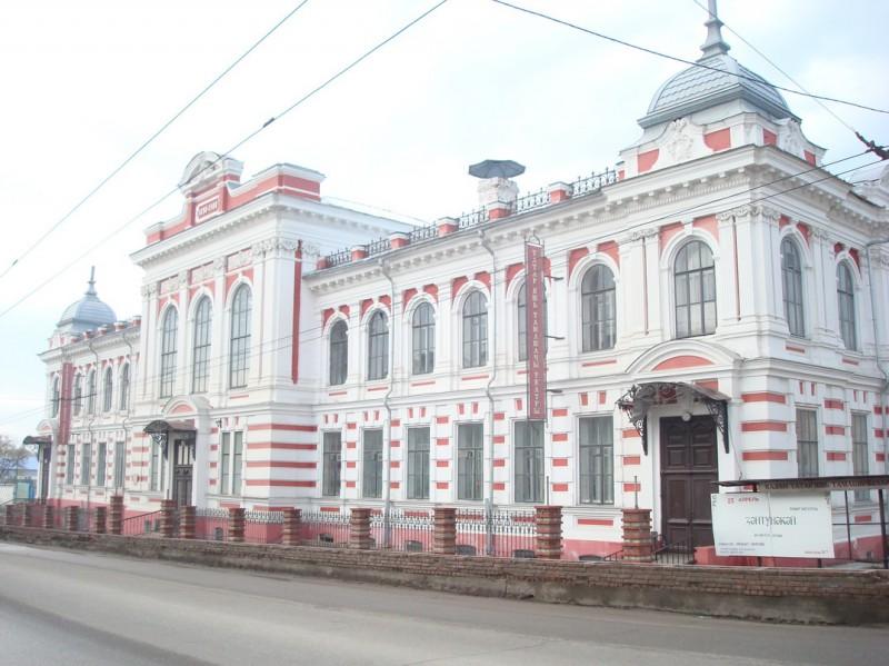 В 1909 г. Кариев показал спектакль на татарском языке в Алафузовском театре.