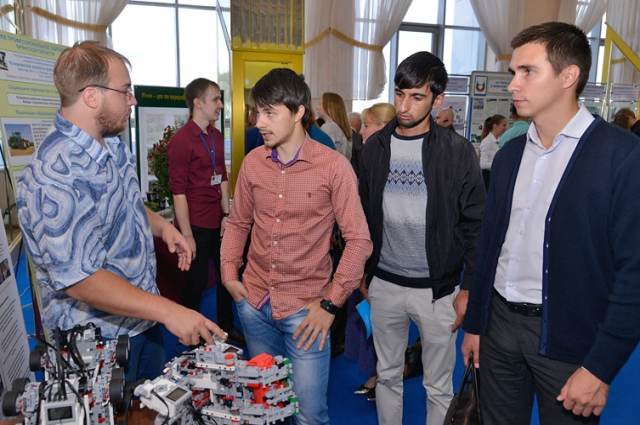 Центры техобразования должны привлечь молодёжь на заводы.