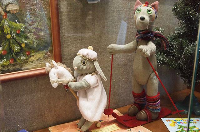Вол и заяц – самый популярный мотив для новогодних украшений начала ХХ века.