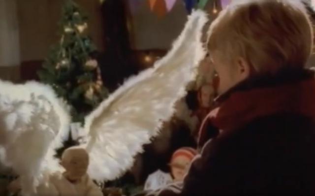 Когда еще сбываться чудесам, если не под Рождество?