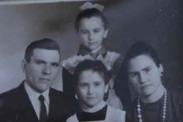 Юбиляры передали свой опыт передав свой опыт дочерям Анне и Наталье.