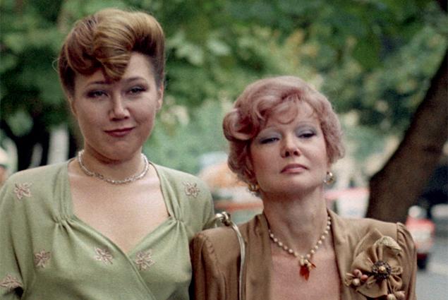Наталья Назарова и Людмила Гурченко в фильме «Любимая женщина механика Гаврилова», 1982 г.