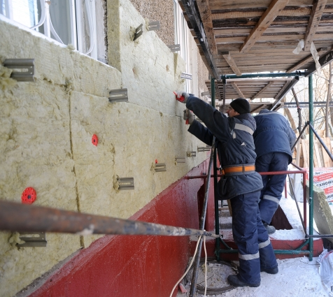 По словам Олега Попова, в его практике был случай, ког- да жильцы в новостройке не обнаружили наружного утепления.