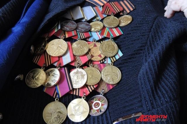 Анна Степановна говорит, что к ветеранам Камышина внимание только 9 мая.