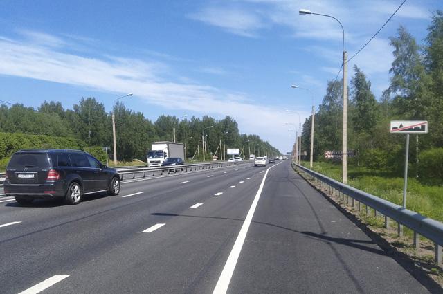 По трассе Санкт-Петербург – каждые сутки проходит до 30 тыс. машин.