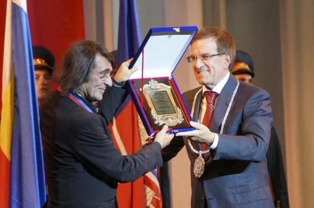 В 2014 году Юрию Башмету присуждено звание «Почётный гражданин города Ростова-на-Дону».