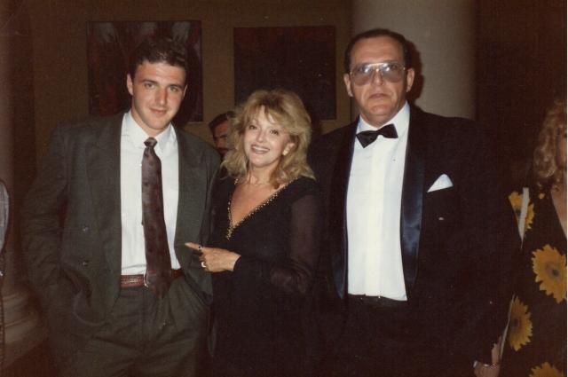 Вторая жена Эммануила Виторгана, известная актриса Алла Балтер, многим в карьере пожертвовала ради семьи. У неё были удивительно близкие отношения с сыном Максимом, который её боготворил