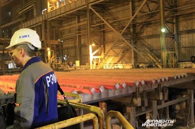 Продукция ростовских металлургов отправится на стройку Керченского моста и стадиона к ЧМ-2018 по футболу.
