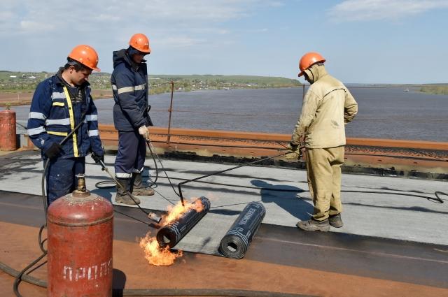 Александр Соловьёв в июле 2015-го не сомневался, что мост будет, что в сентябре 2016 года по мосту пойдут машины.