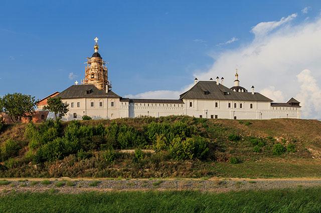 Зеленодольский район будет развивать туризм, ведь на его территории находятся остров-град Свияжск и Раифский монастырь.