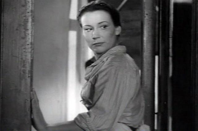 Инна Кондратьева, кадр из фильма «Город зажигает огни» (1958).