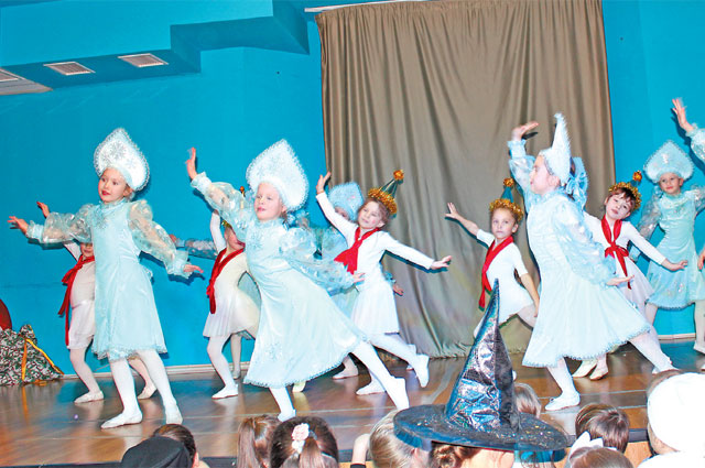 С 3 по 8 января в подростково-молодёжном центре «Диалог» пройдут мастер-классы по декоративно-прикладному искусству, восточным танцам, брейк-дансу и вокалу.