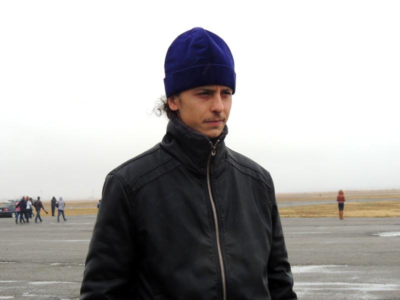 Отец Евгений каждый раз служит молебен на аэродроме перед полётами
