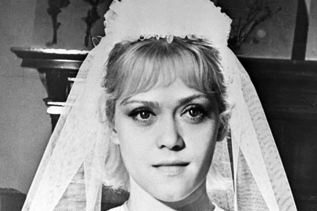 Алиса Фрейндлих в роли невесты на съемках фильма Приключения зубного врача, 1965 год