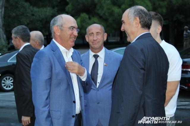 Курбан Бердыев и член совета директоров клуба Али Узденов постарались  скрыть конфликт на людях.