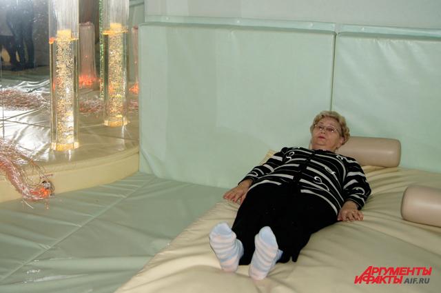 В комнате релаксации можно отдохнуть на водяных кроватях