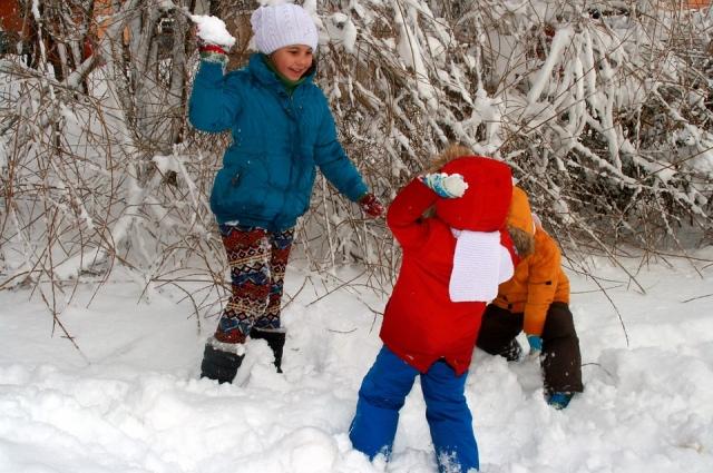 Для здоровья ребёнка одинаково вредны как охлаждение, так и перегрев.