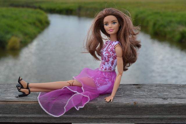 Сейчас все Барби не похожи одна на другую.