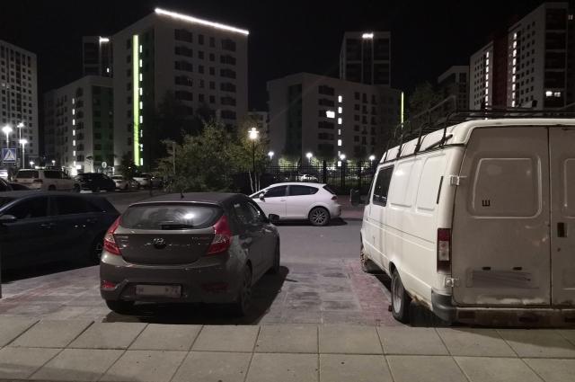 Парковка в Европейском.