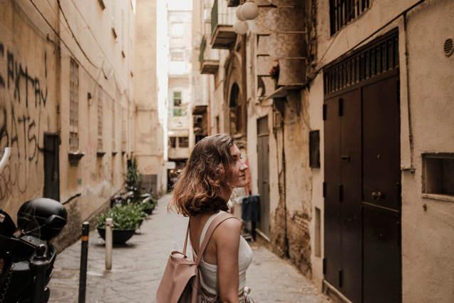 Из Италии Вика уезжать не планирует
