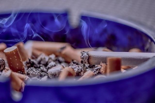 Пассивное курение иногда становится опаснее активного.