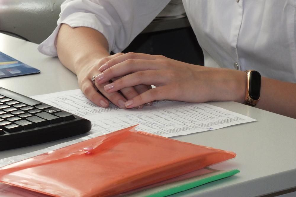 В день волонтёры делают до 100 звонков пациентам.