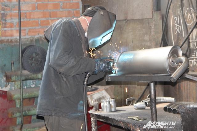 Два завода с Луганской области (Украина) переехали в Ростовскую область вместе со специалистами.