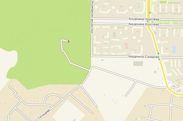 на участке, выбранном для прокладки дорог, находится мемориальный комплекс и лес.