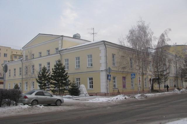 Так теперь выглядит здание Военного собрания, где сто лет назад поселилась Мария Гришина-Алмазова.