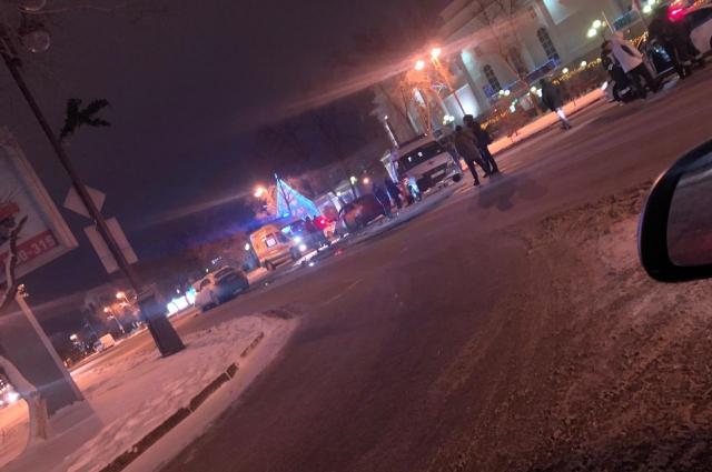 В ДТП возле драмтеатра в Тюмени погиб водитель Ford Focus.