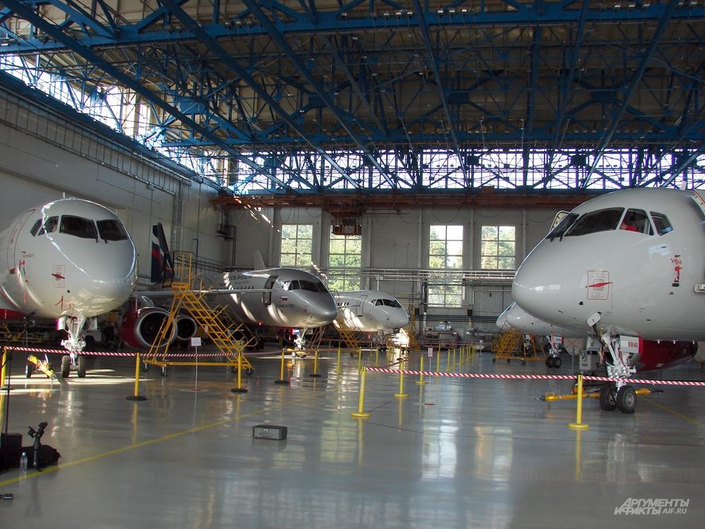 Самолеты, готовые к сдаче заказчикам.