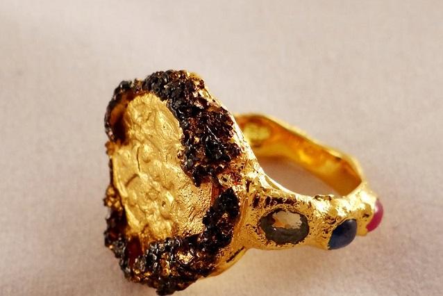 Кольцо, в котором использован золотоордынский дирхем, чеканившийся на территории современной Пензенской области.