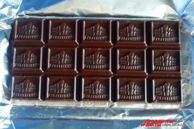 Шоколад лучше брать горький.