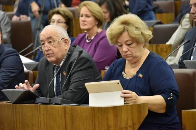 Депутат Татьяна Воропаева требовала отчета от министра образования РТ.