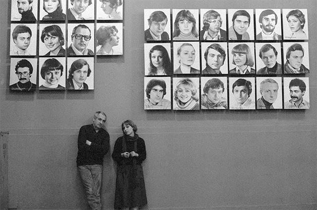 Марк Захаров и Елена Шанина в фойе театра..1985 г.