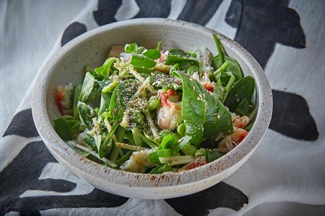 Салат с крабом и шпинатом