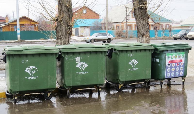 Контейнеры для раздельного сбора ТКО на Одесской.