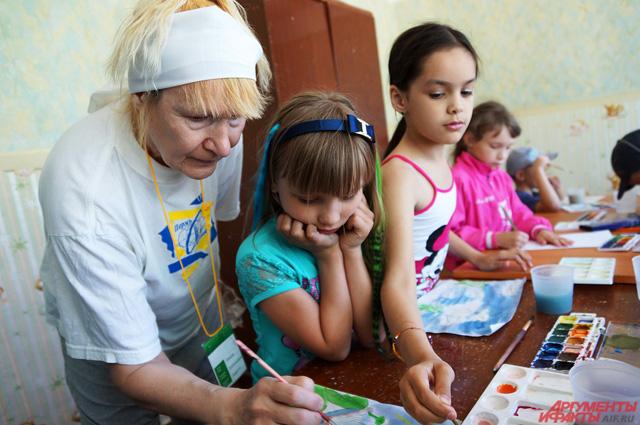 В лагере действует ИЗО-студия и разнообразные творческие лаборатории